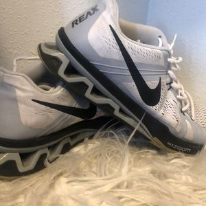 Nike Reax Lightspeed shoes